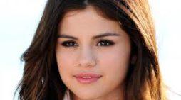 Titlul de Femeia Anului ii revine lui Selena Gomez
